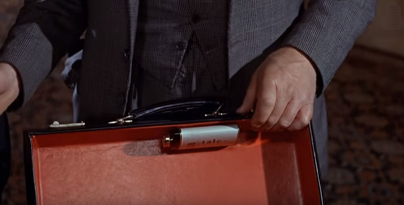 from-russia-with-love-briefcase-talcum-powder